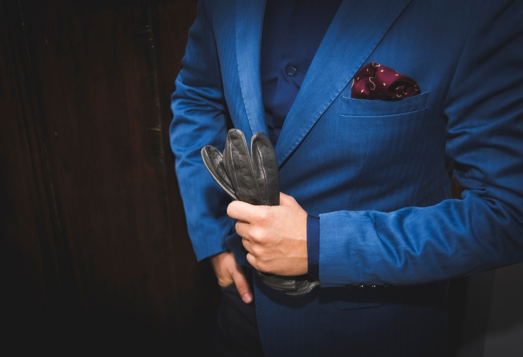 Men's gloves give style to the fashion world